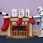 Stormtrooper mettono le calze nel caminetto per Natale