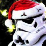 Stormtrooper con un cappello Natalizio